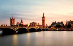 london-2393098_1920-1080x692